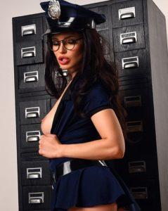 Проститутка в костюме милиционера